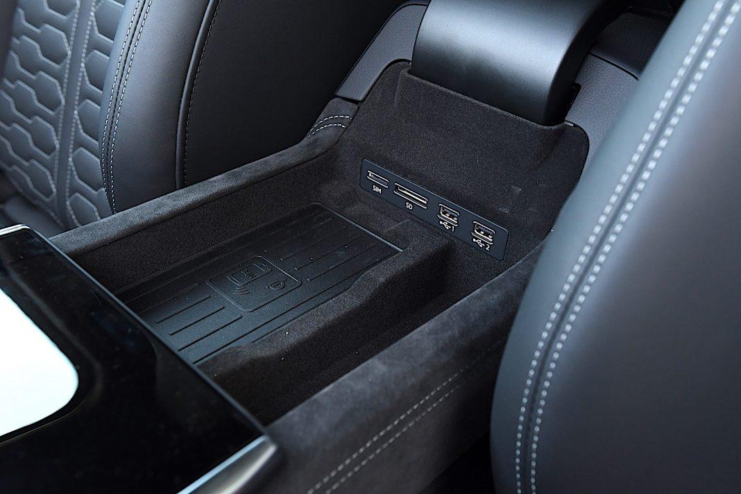 Audi RS 6 Avant – podłokietnik
