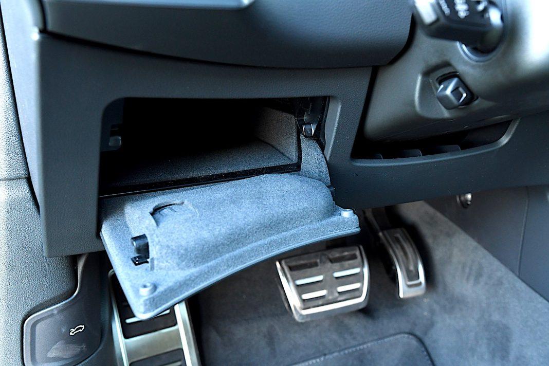 Audi RS 6 Avant – schowek