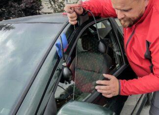 Zatrzaśnięte kluczyki w aucie. Jak otworzyć samochód z kluczykami w środku?