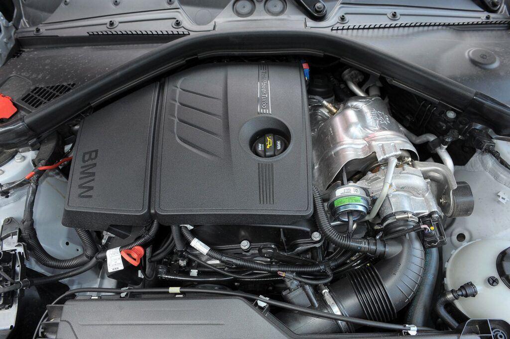 BMW 116i F20 1.6T 136KM 6MT WY3513V 04-2012