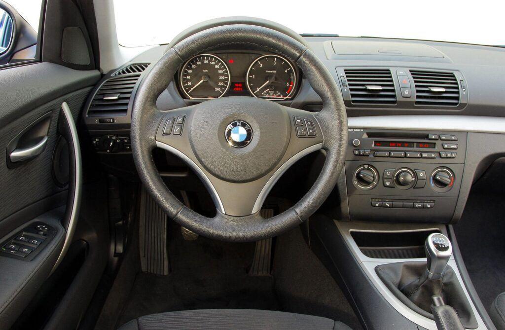 BMW 118d E87 2.0d 143KM 6MT WI3114J 04-2009