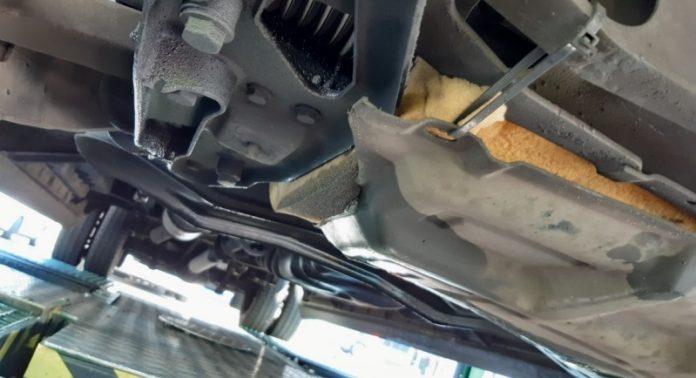 Gąbka pod silnikiem