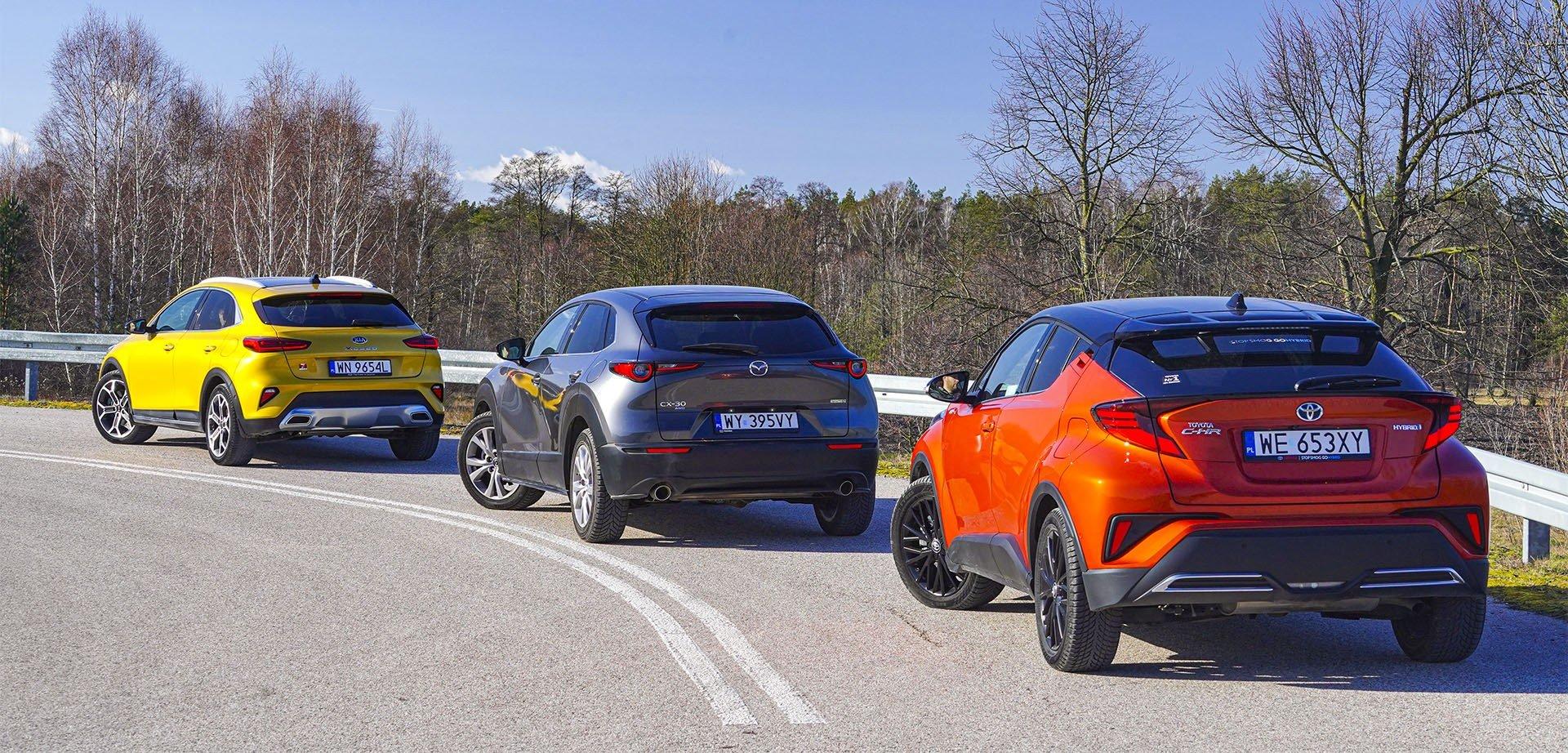 Kia XCeed, Mazda CX-30, Toyota C-HR - tyły