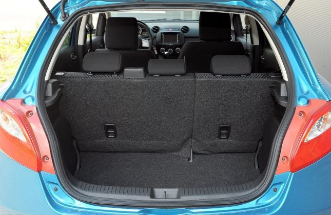 Mazda 2 II