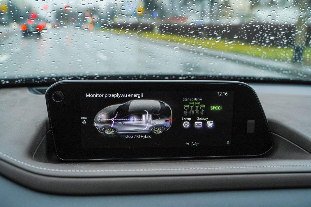 Mazda CX-30 - przepływ energii