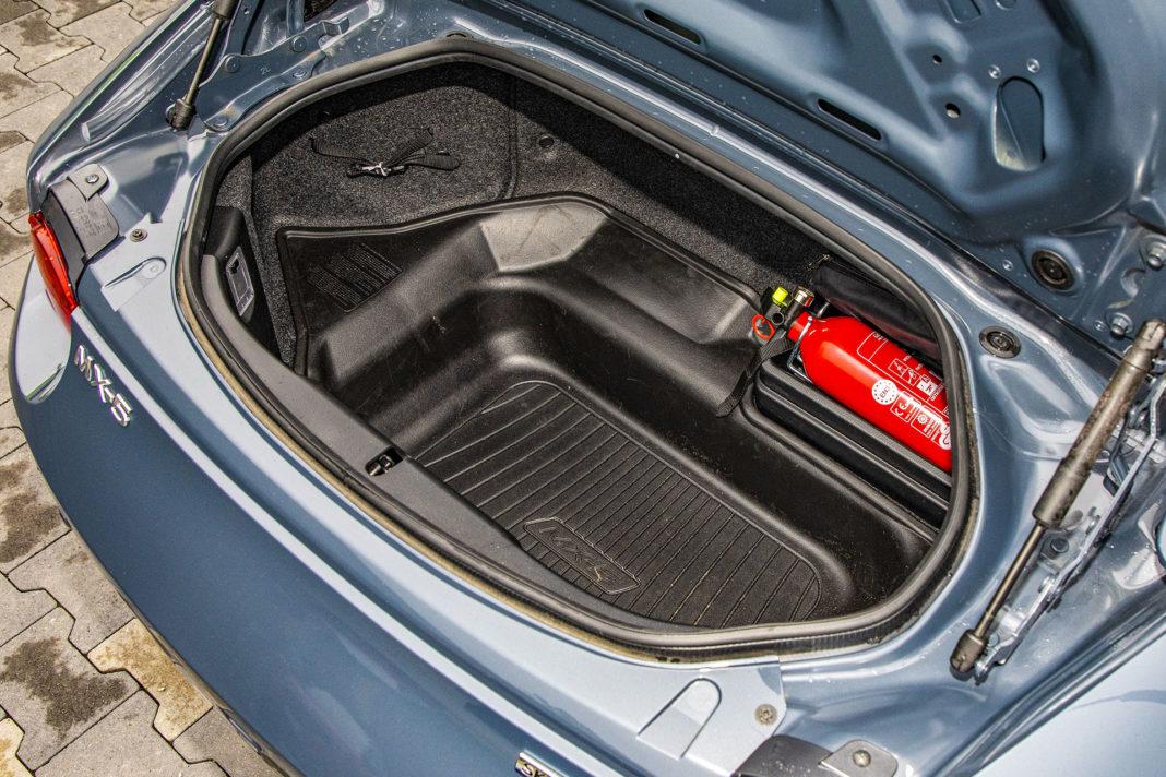 Mazda MX-5 RF - bagażnik