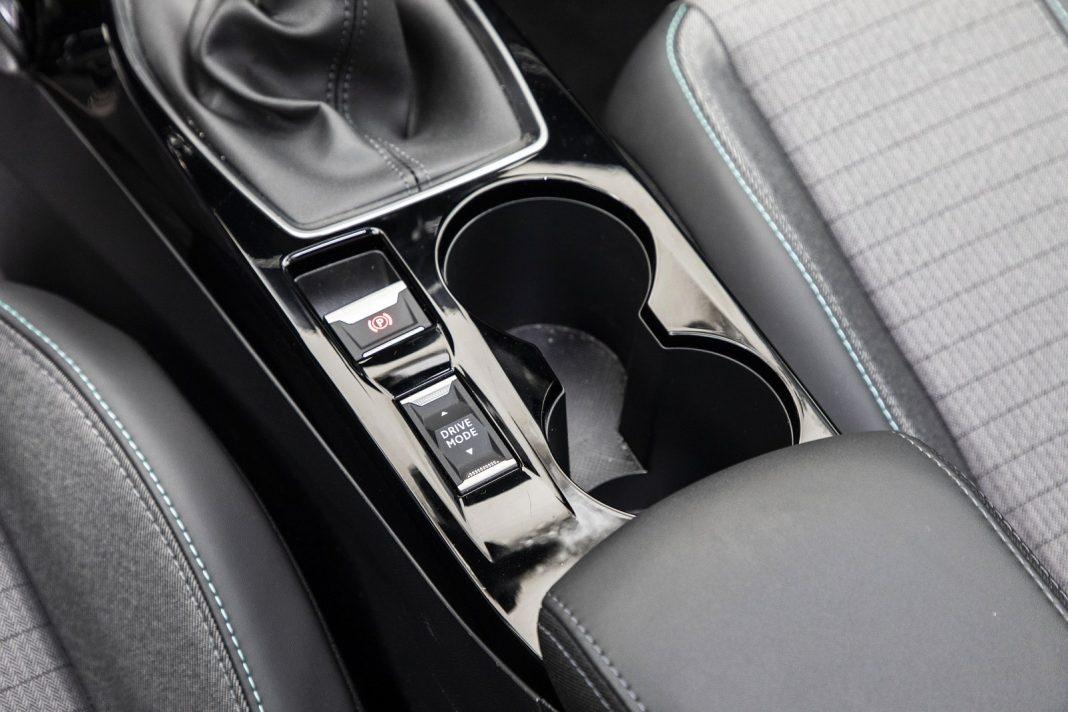 Peugeot 208 1.2 PureTech 100 - tryby jazdy