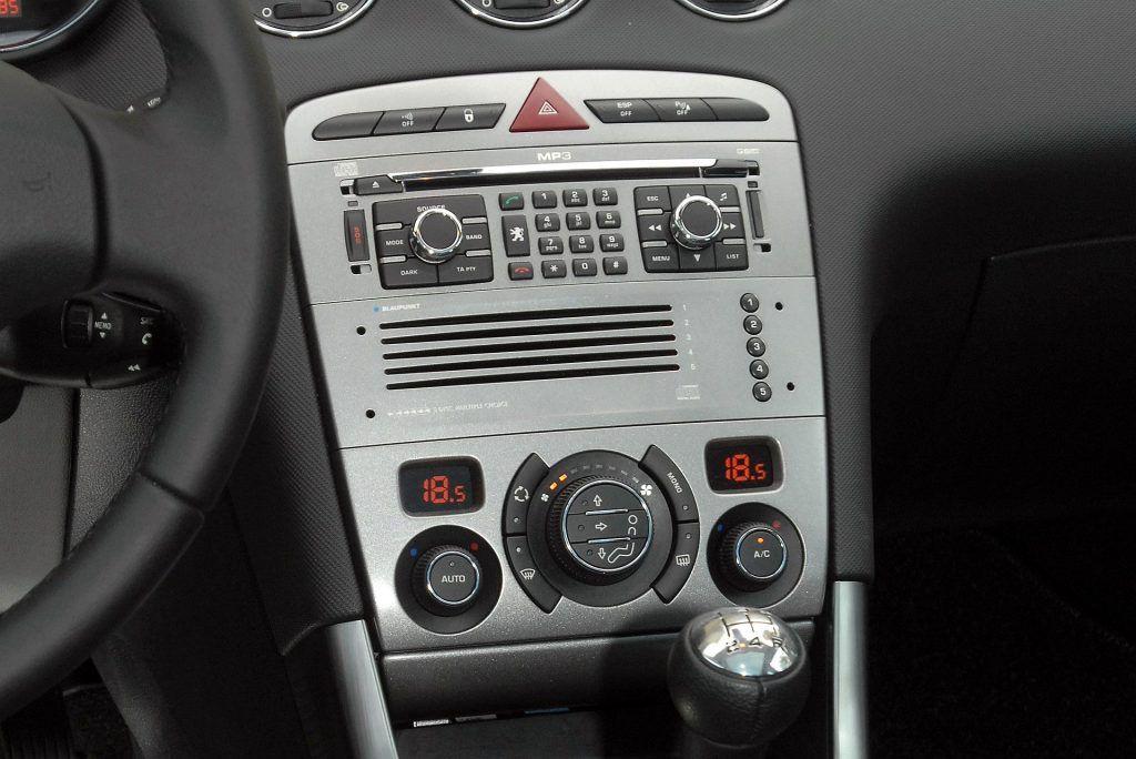 Peugeot 308 I (2)