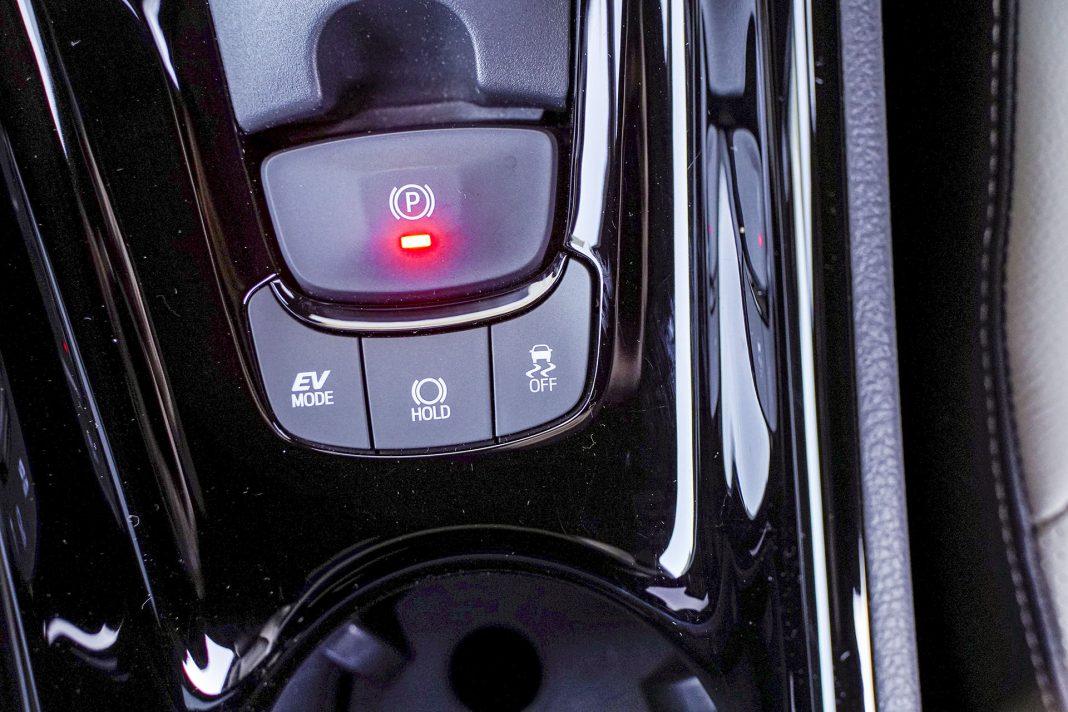 Toyota C-HR - przełączniki