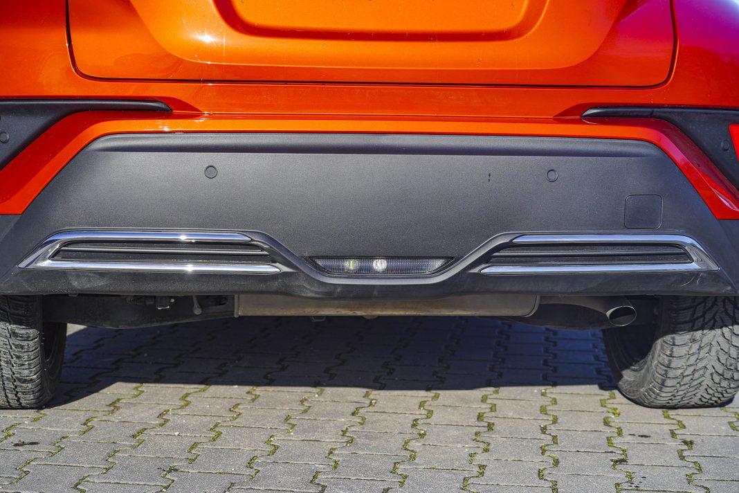 Toyota C-HR - wydech