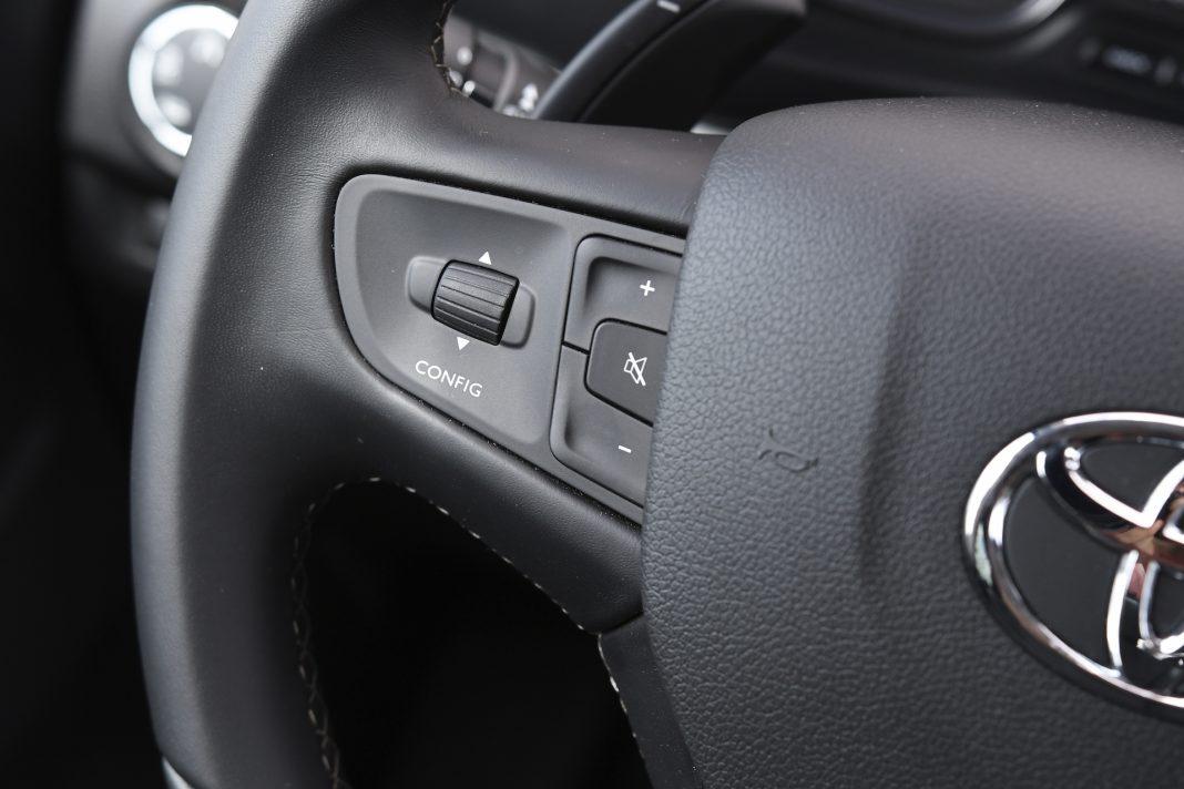 Toyota Proace - kierownica wielofunkcyjna