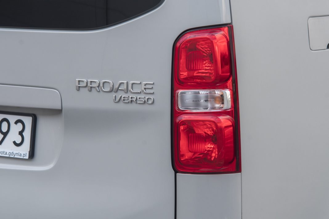 Toyota Proace - lampa tył