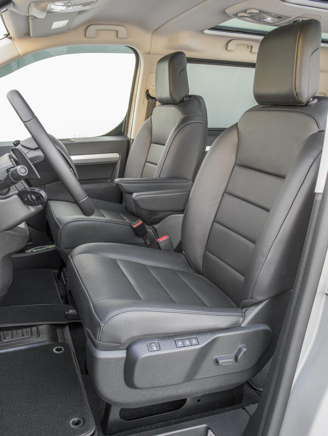 Toyota Proace - przednie fotele