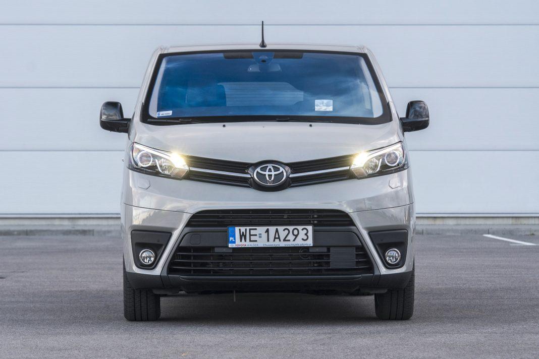 Toyota Proace - przód