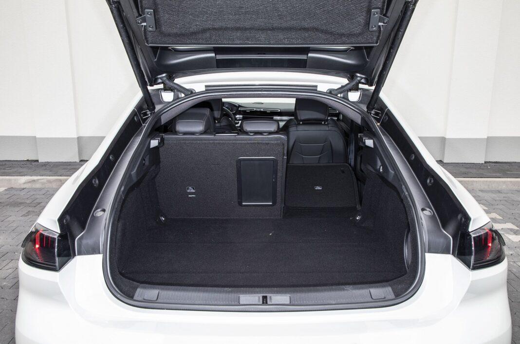 Peugeot 508 HYbrid 225 - bagażnik