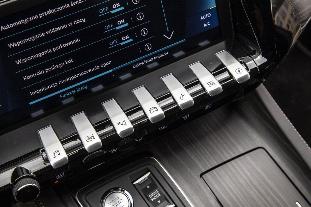 Peugeot 508 HYbrid 225 - klawisze szybkiego dostępu