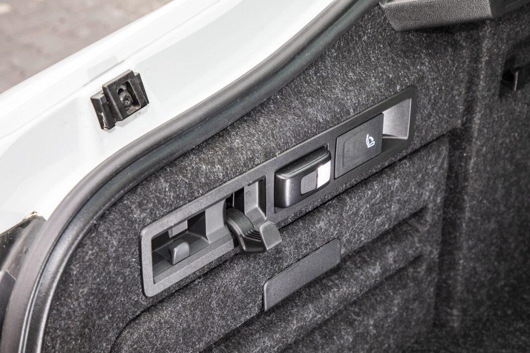 Skoda Superb iV - udogodnienia w bagażniku