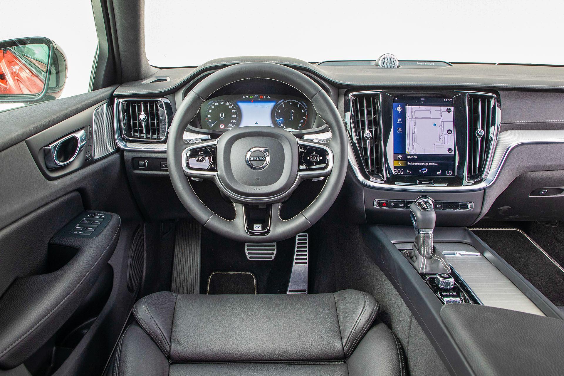Volvo S60 T4 test – deska rozdzielcza