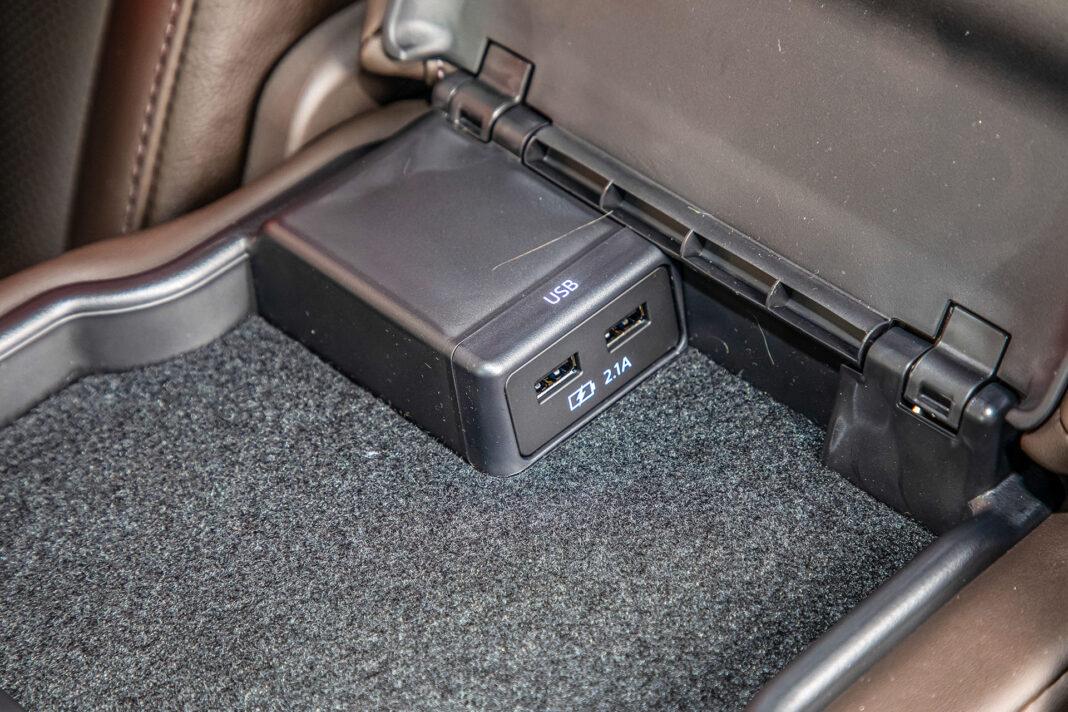 Mazda 6 2.5 Skyactiv-G test – USB
