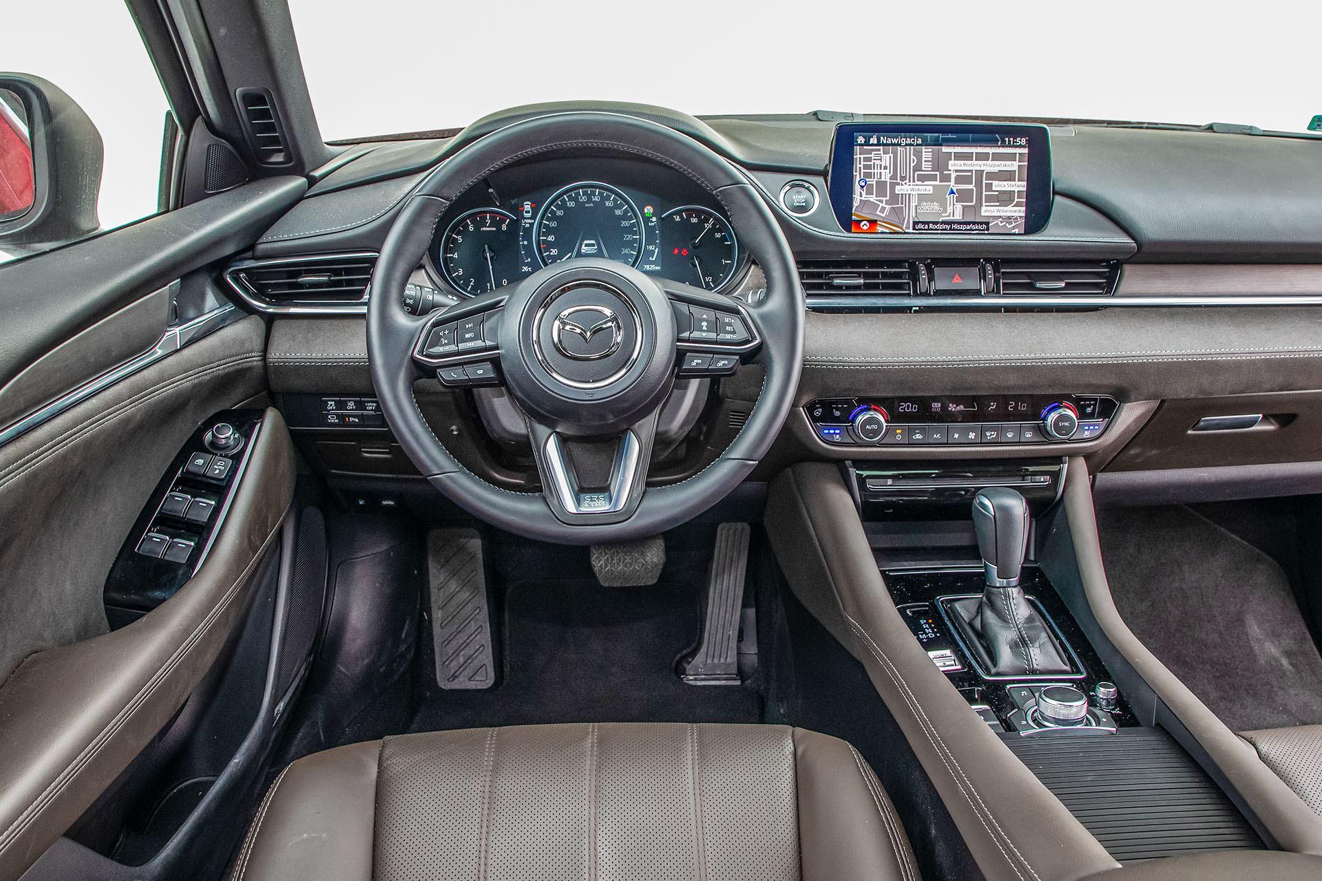 Mazda 6 2.5 Skyactiv-G test – deska rozdzielcza