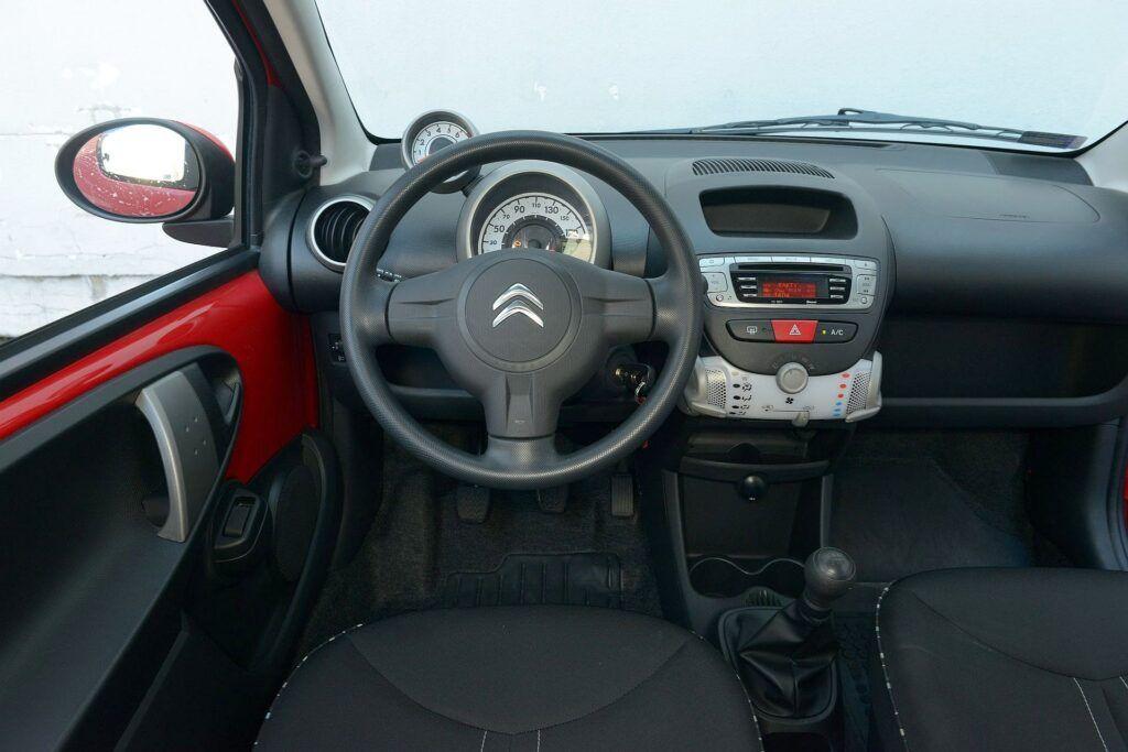 Citroen C1 Peugeot 107 03