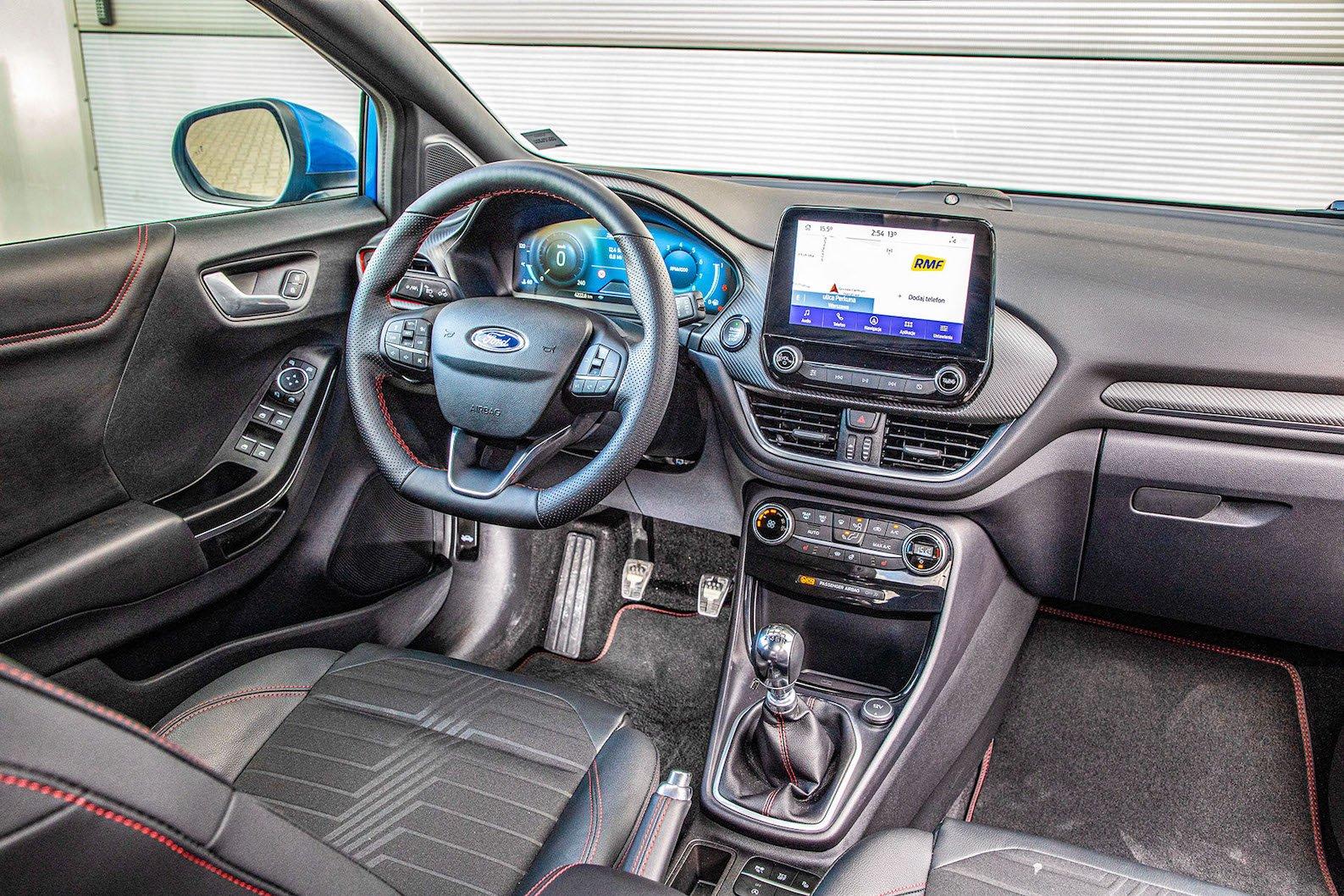 Ford Puma - kokpit