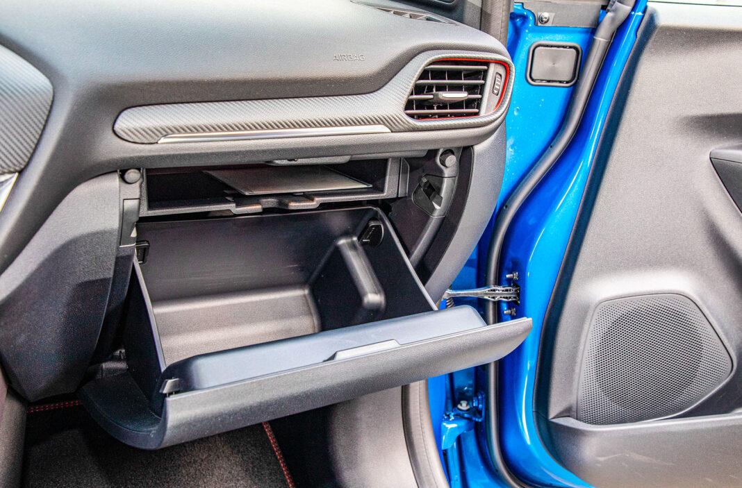 Ford Puma - schowek