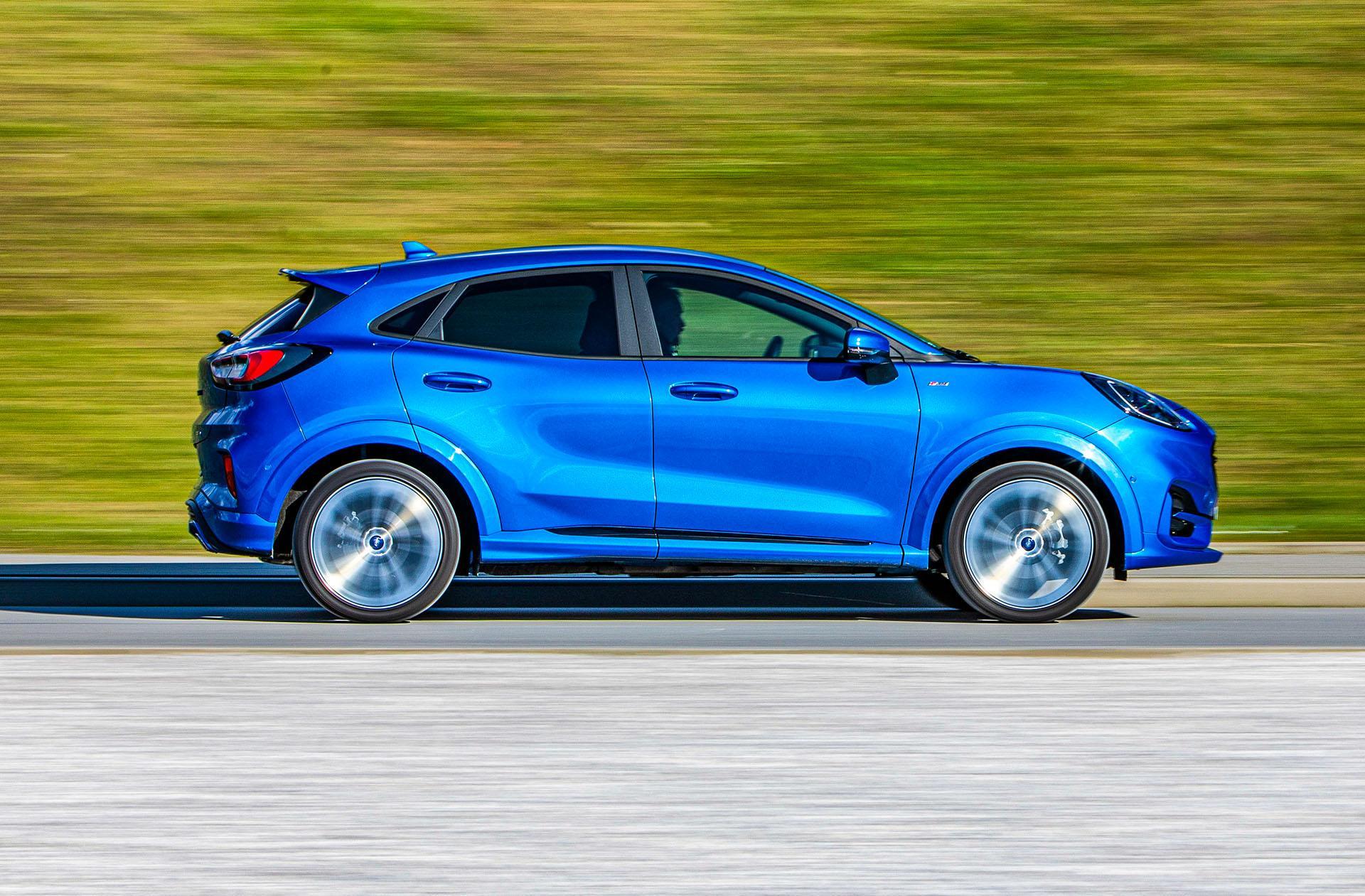 Ford Puma - bok