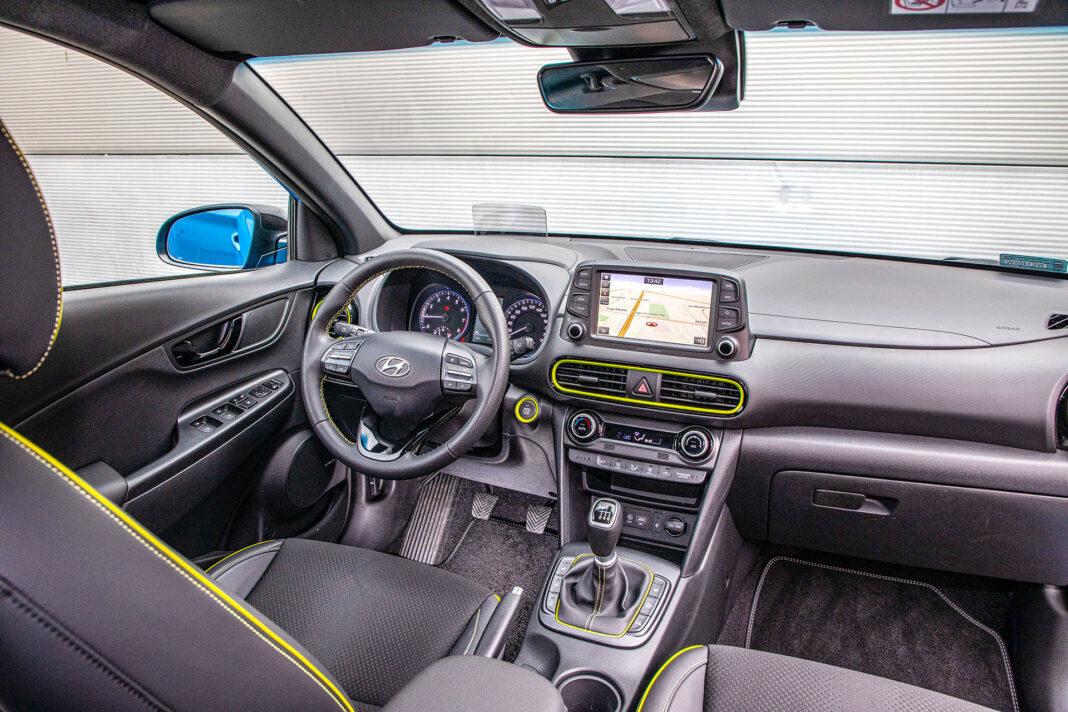 Hyundai Kona - kokpit