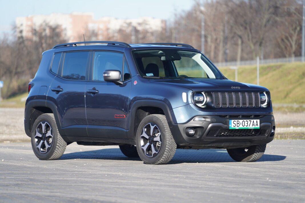 Jeep Regenade - bok
