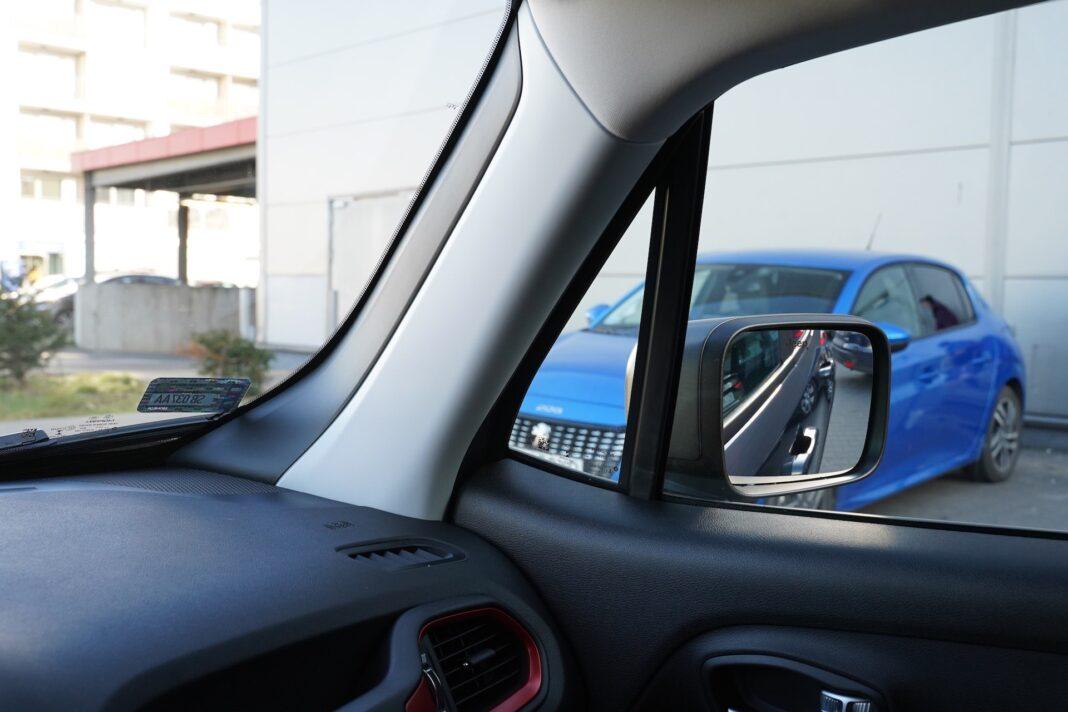 Jeep Renegade - widocznosc z wnętrza