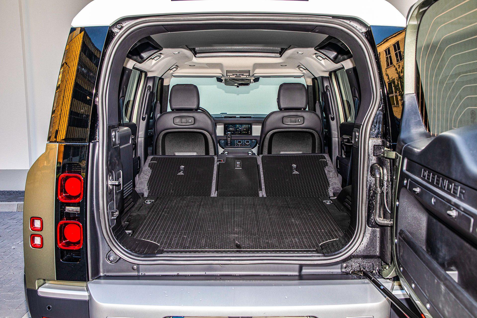 Land Rover Defender - bagażnik