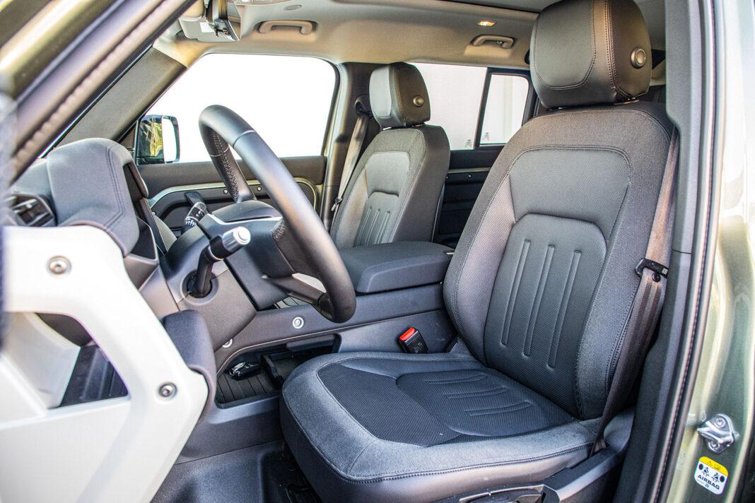 Land Rover Defender - fotele
