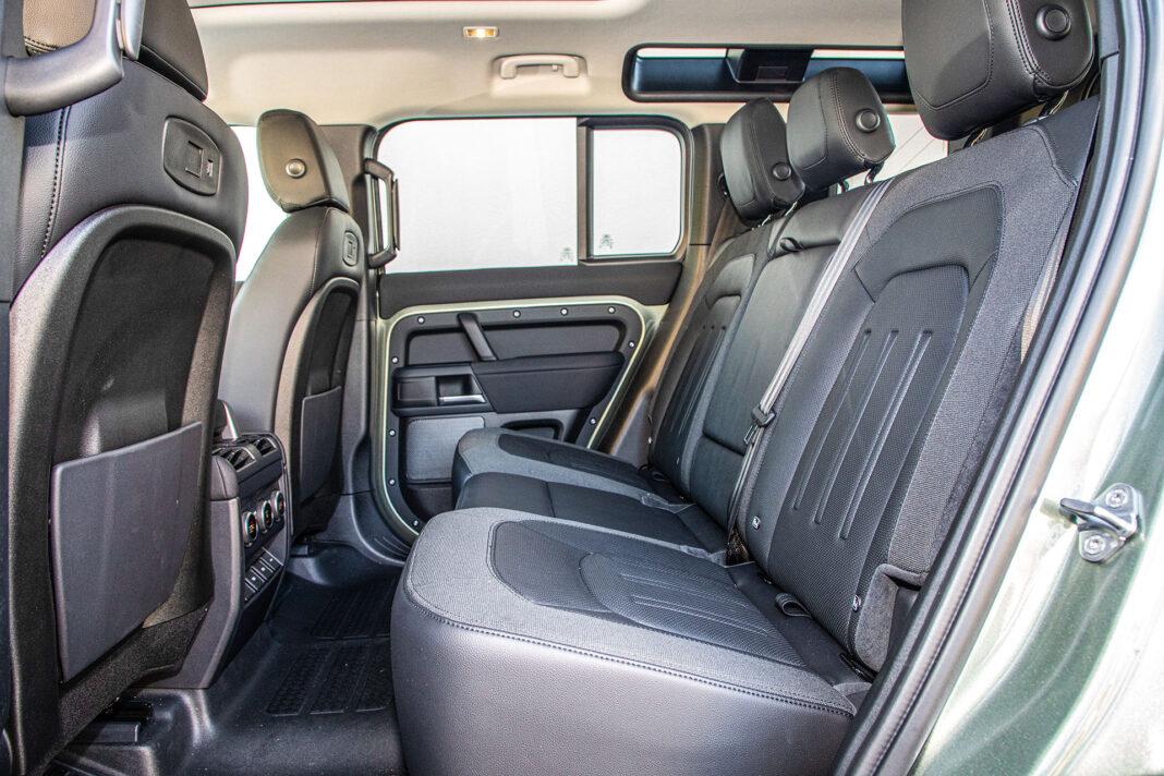 Land Rover Defender - kanapa