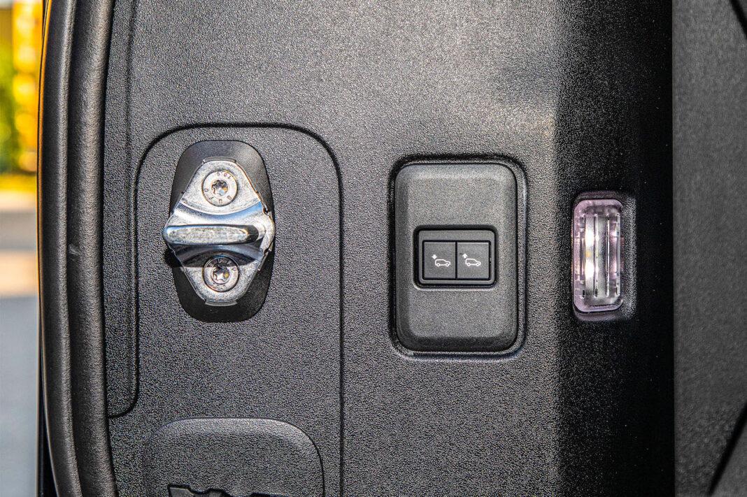 Land Rover Defender - obniżanie tyłu