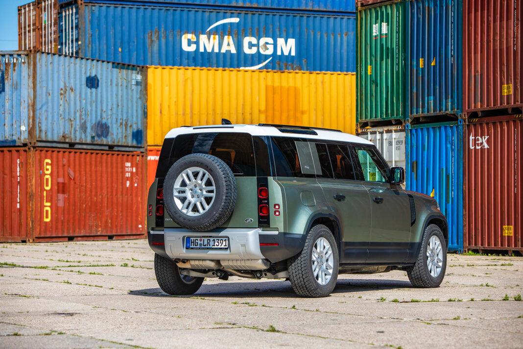 Land Rover Defender - prawy tył