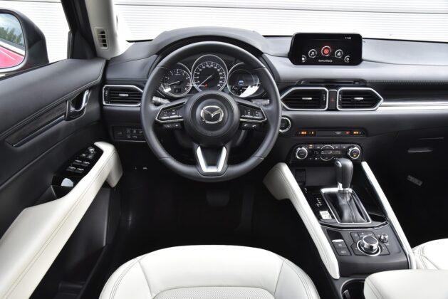 Mazda CX-5 - kokpit