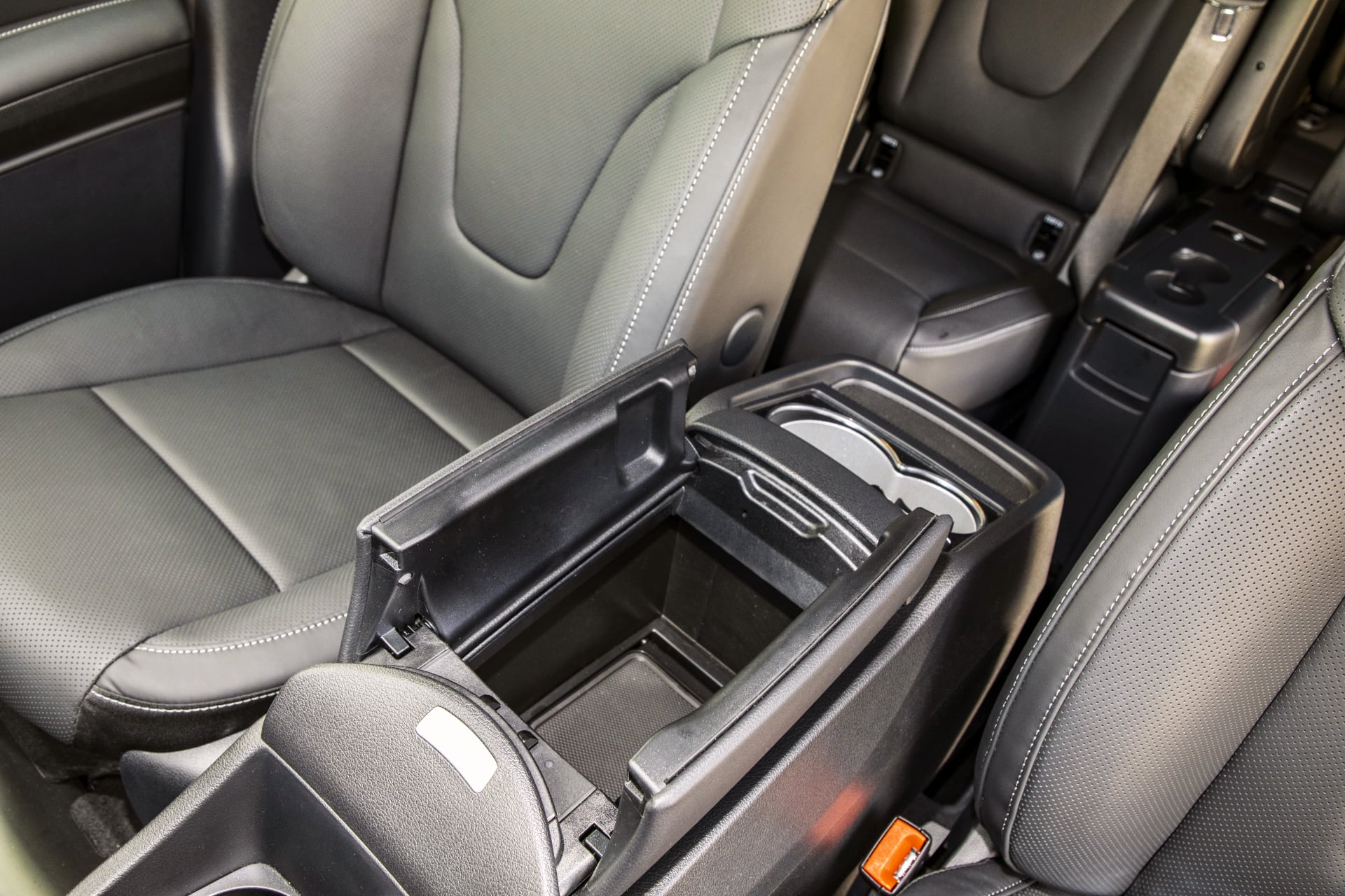 MInilodówka – Mercedes V