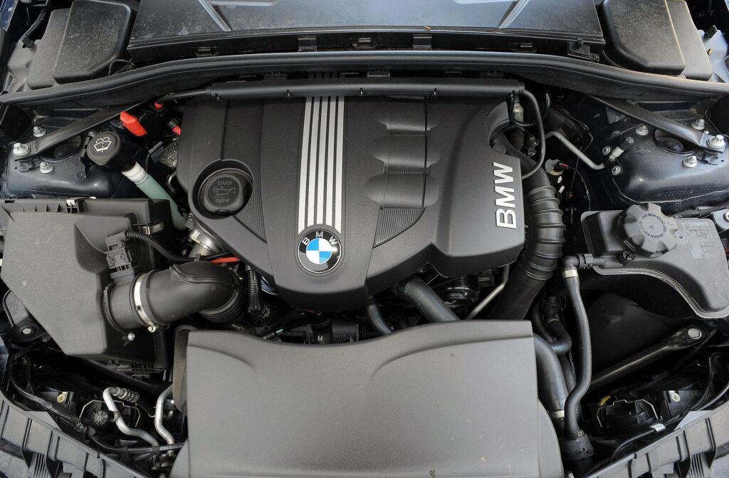 BMW 123d E88 Cabriolet 2.0d 204KM 6MT WI9228K 05-2009