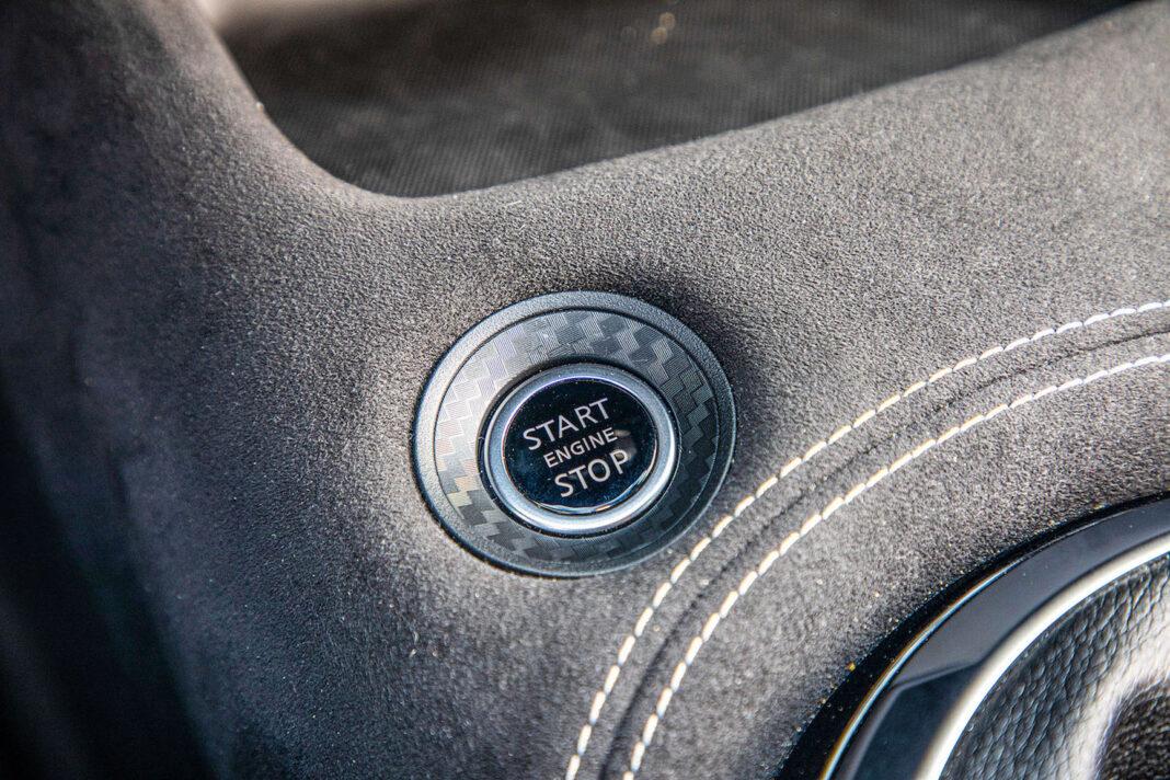 Nissan Juke - przycisk startera
