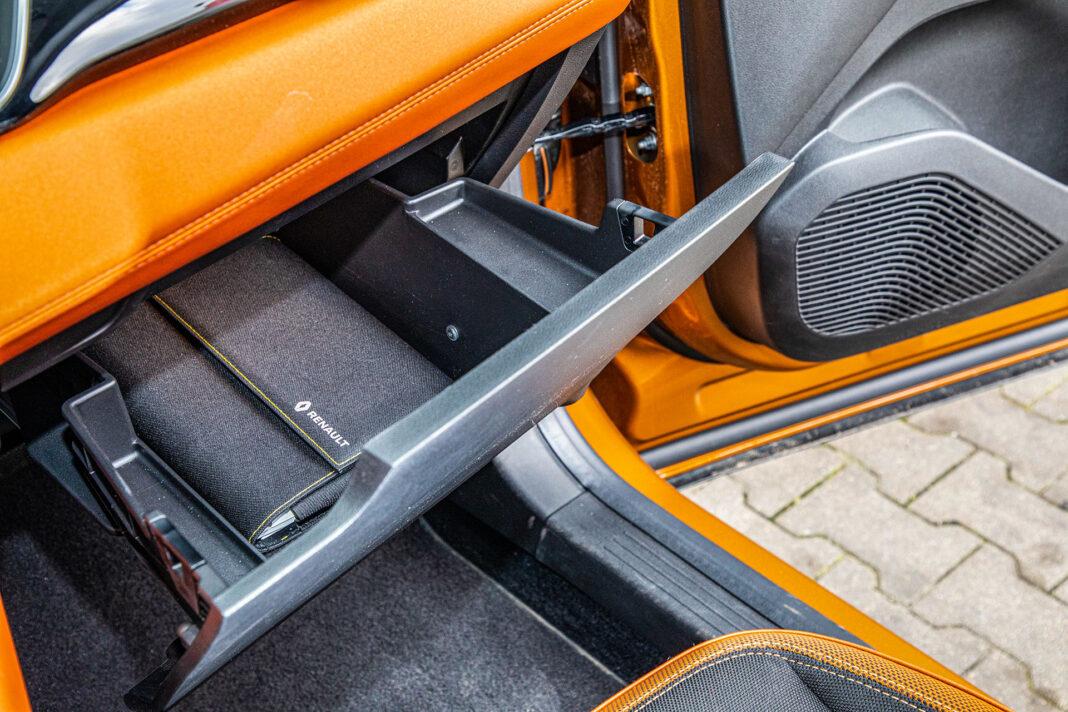 Renault Captur - schowek
