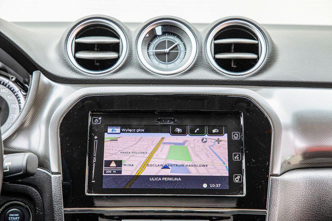 Suzuki Vitara - ekran