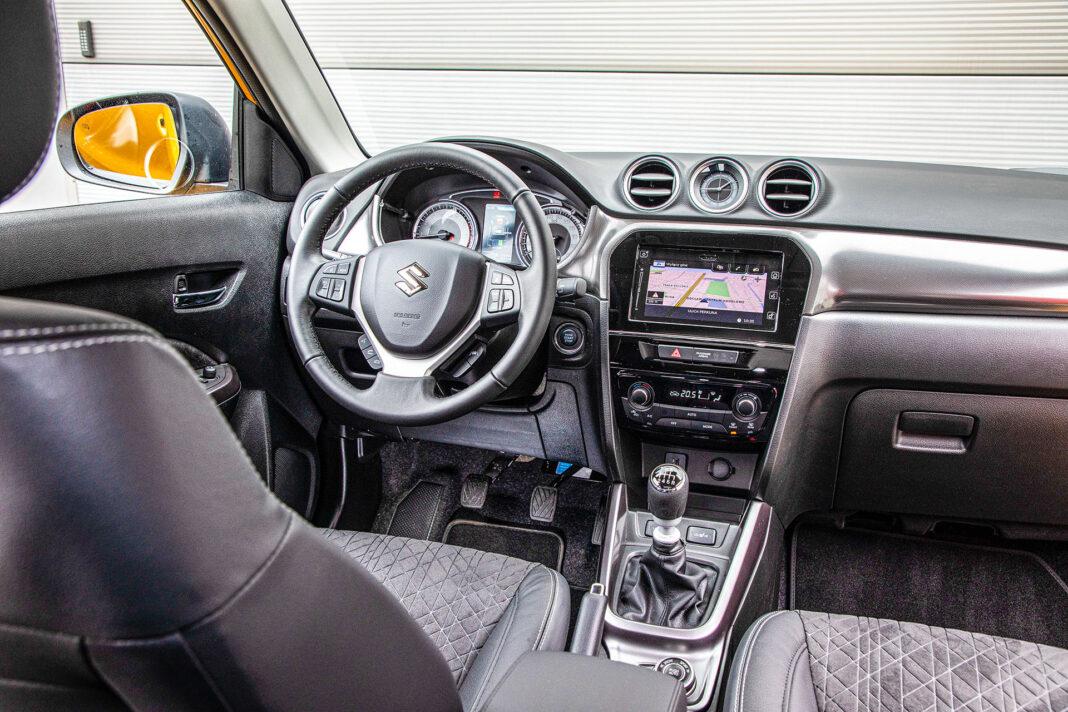Suzuki Vitara - kokpit