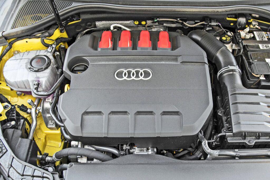 Audi S3 Sportback - silnik