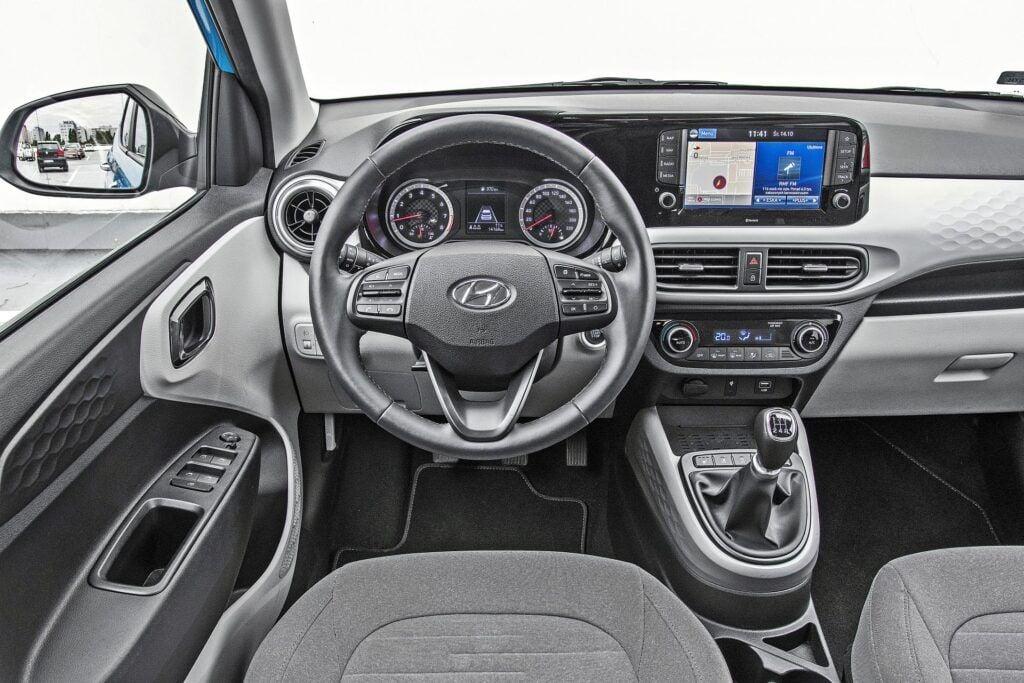 Hyundai i10 - deska rozdzielcza