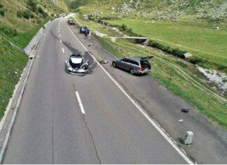 Kosztowny karambol – wśród rozbitych aut: Bugatti Chiron i Porsche 911!