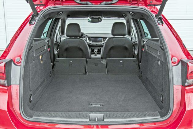 Opel Astra Sports Tourer - bagażnik