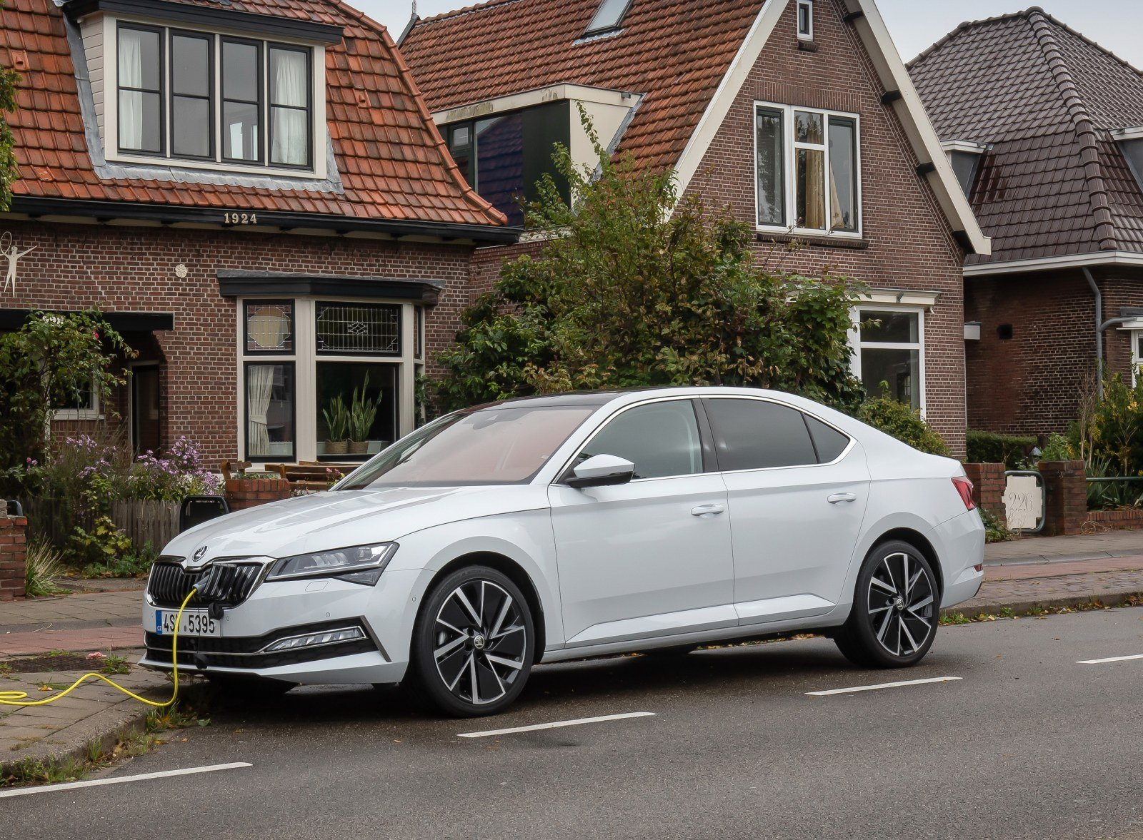 skoda superb iv hybryda plug-in 2020