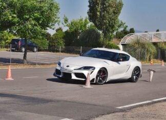 Toyota GR Supra kontra łoś. Test zaliczony, ale...