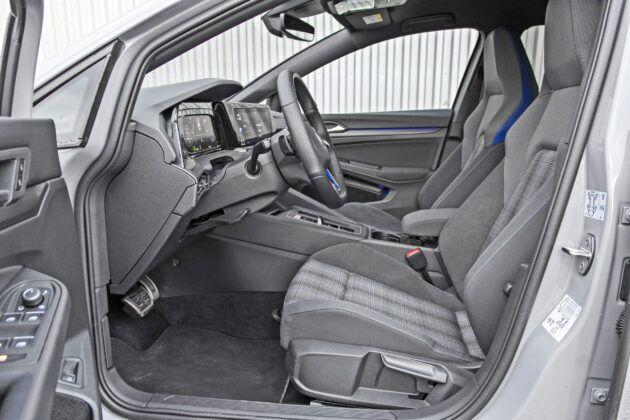 Volkswagen Golf GTE - fotele przednie